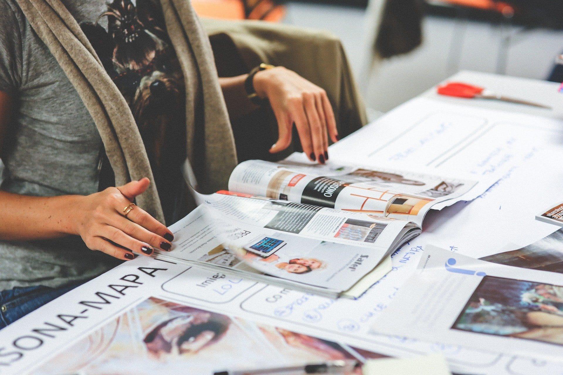 4 einfache Tipps zum Broschüre erstellen: Format, Papier, Design, Versand